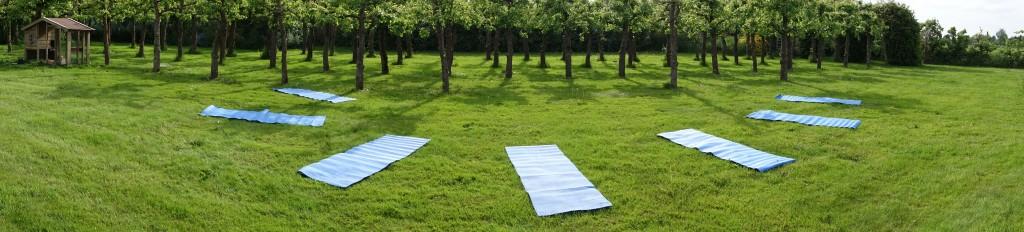 Buiten yoga voor een diepe ontspanning