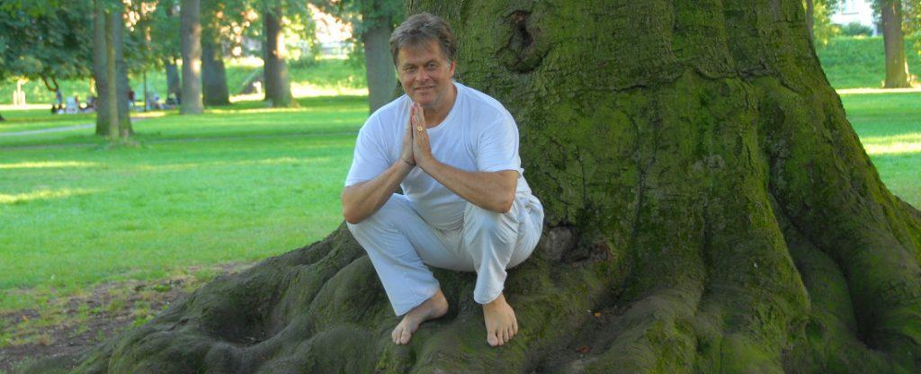 yoga en naar binnen keren