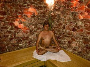 bloot yoga en de sauna